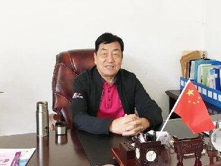 <b>张景华:合作社抱团发展是小猪场未来出路</b>